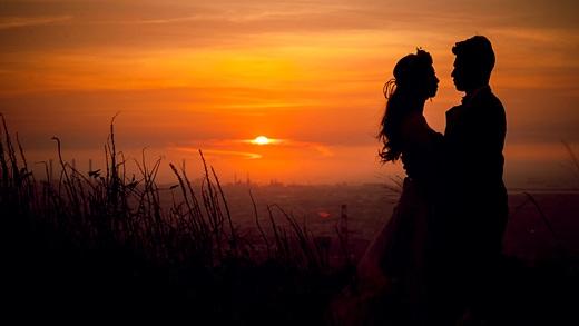 【高雄婚紗】推薦評價相當好的婚紗店~婚紗攝影及禮服出租超多人推薦,是價錢實在質感又好的婚紗店了!